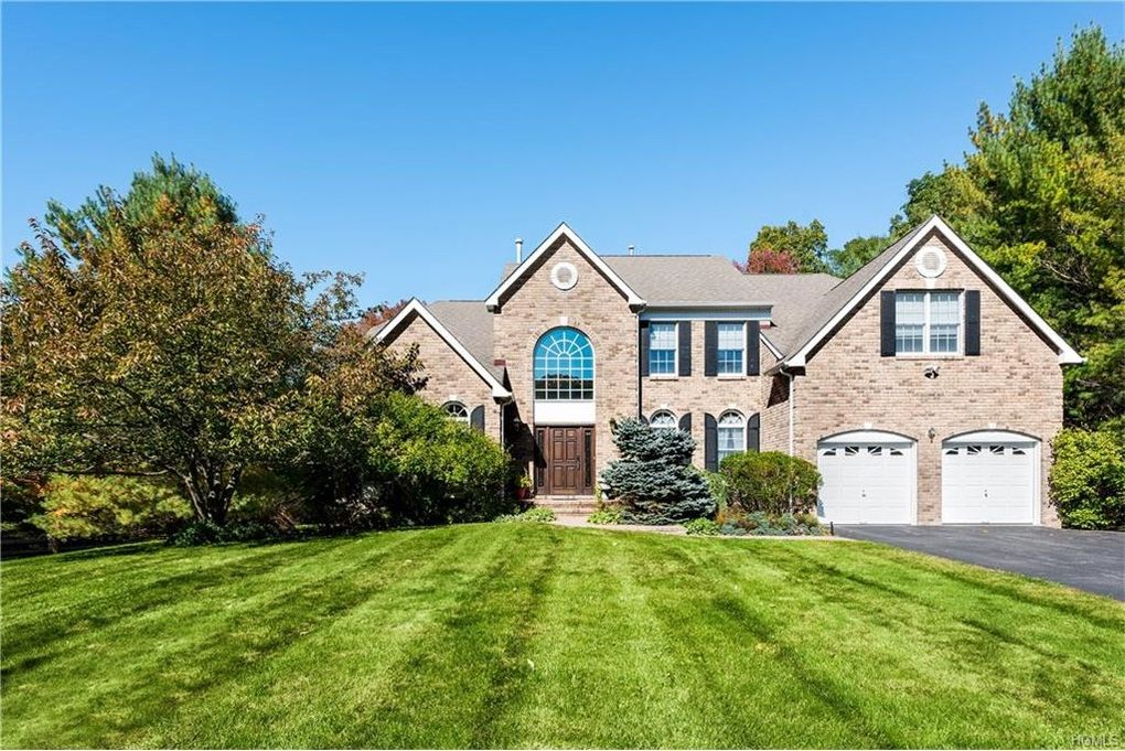 1 Brentwood Ct Mount Kisco NY 10549