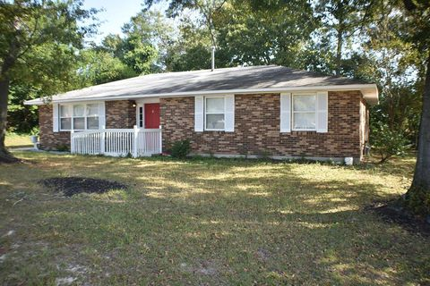 Photo of 653 Crestlyn Dr, North Augusta, SC 29841