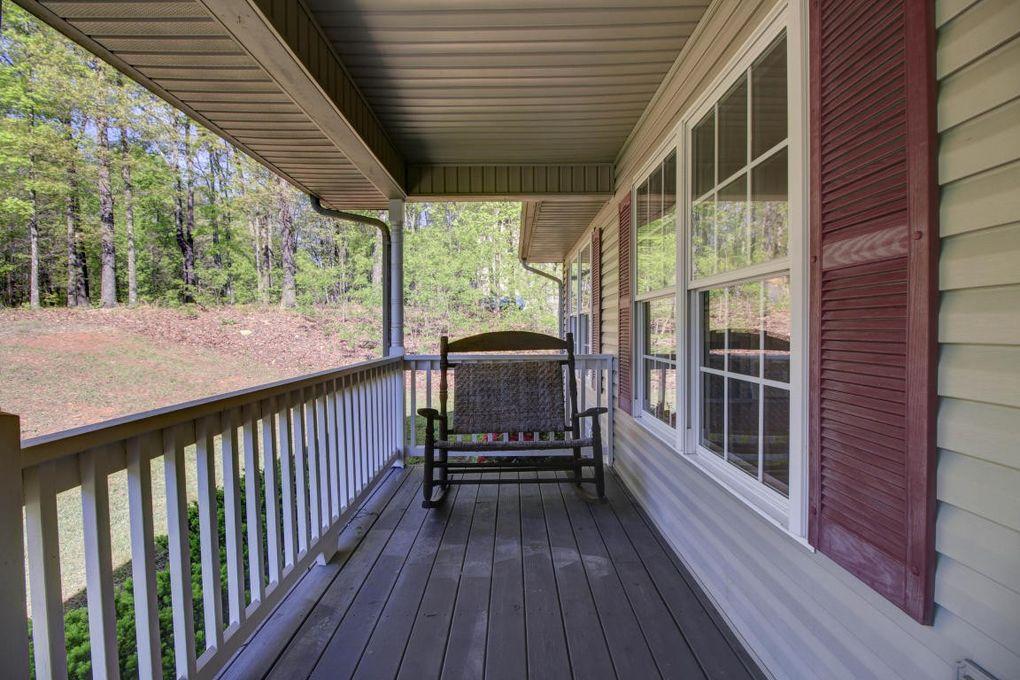 1852 Woodshire Dr Blue Ridge VA 24064