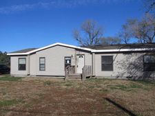 806 North St, Giltner, NE 68841