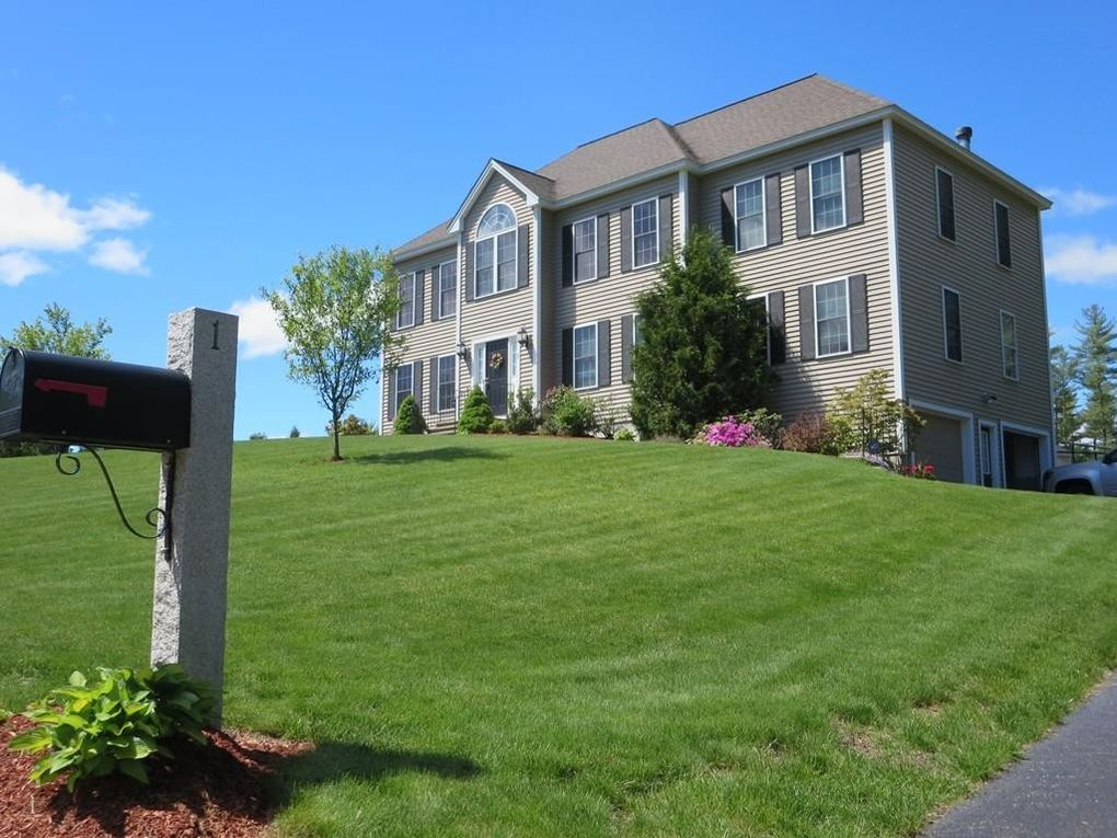 1 Peter J Dr, Townsend, MA 01469