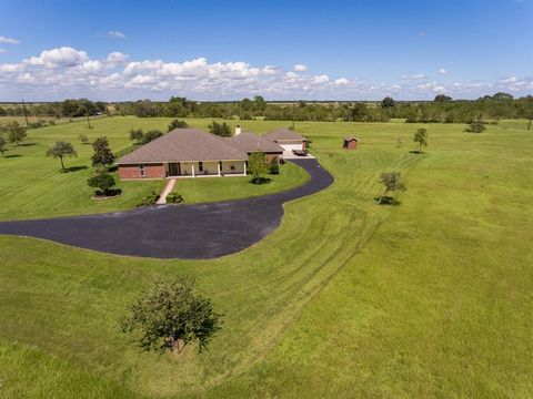 Photo of 1449 N Pear Orchard Rd, Winnie, TX 77665