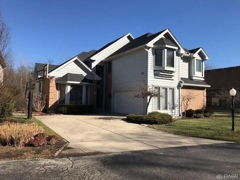 Photo of 6908 Chardonnay Dr, Centerville, OH 45459