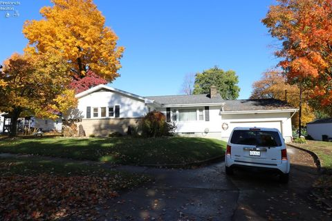 Photo of 139 W Broad St, Monroeville, OH 44847