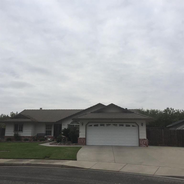 8651 Songbird Way, Hilmar, CA 95324