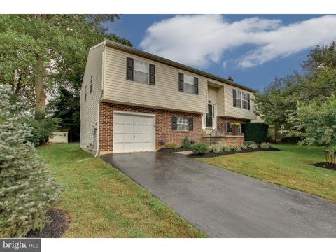 2209 Briarcliff Ave, Upper Chichester, PA 19061