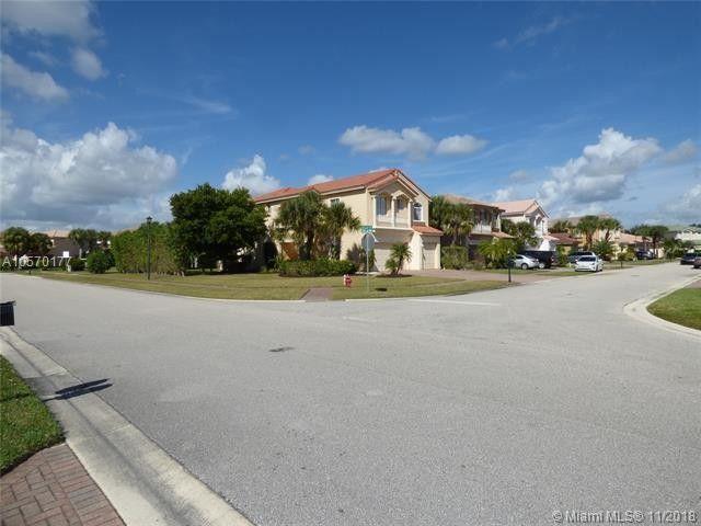 101 Bellezza Ter, Royal Palm Beach, FL 33411