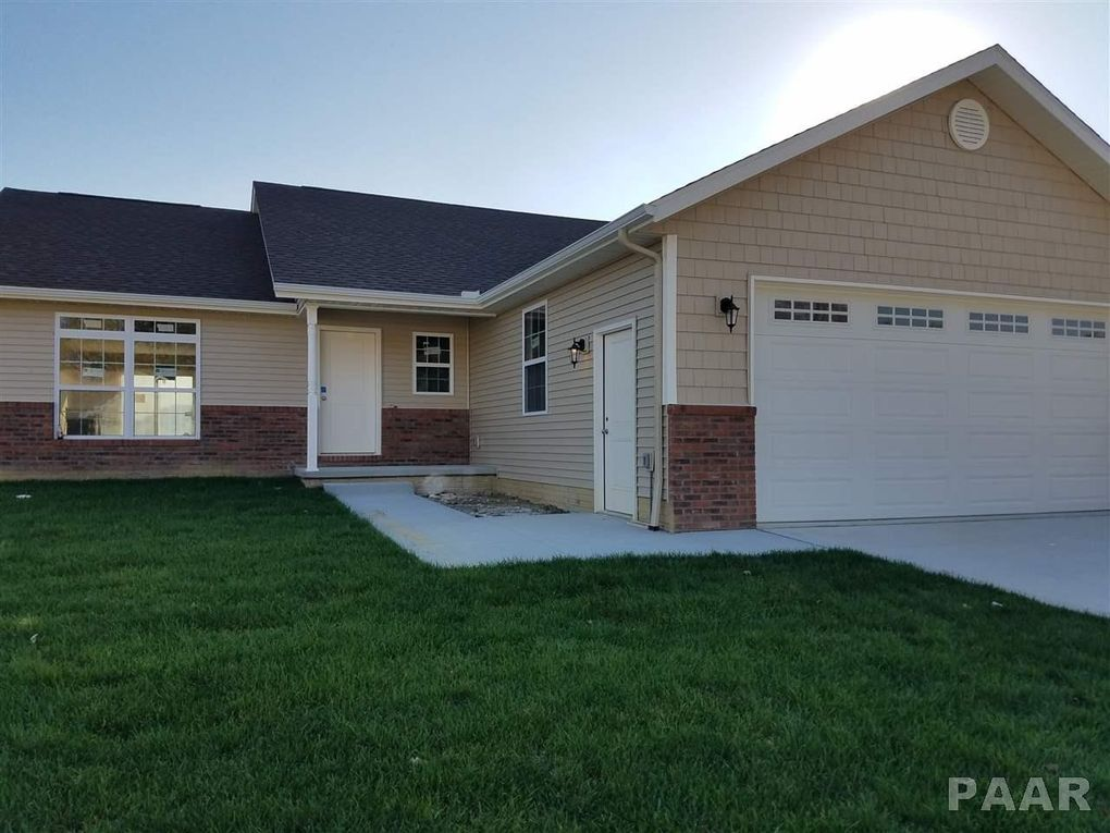 325 Cottonwood Cir, East Peoria, IL 61611