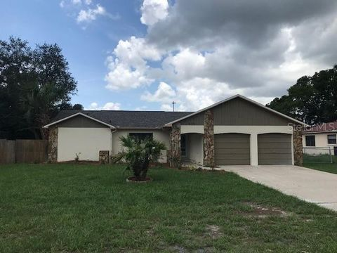 Spring Hill Fl Houses For Sale With Swimming Pool Realtor Com