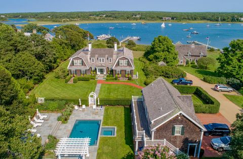 Strange Waterfront Homes For Sale In Marthas Vineyard Ma Realtor Interior Design Ideas Gentotryabchikinfo