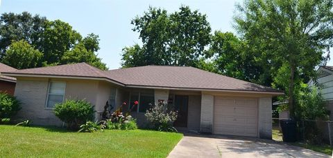 Photo of 8770 Cowart St, Houston, TX 77029