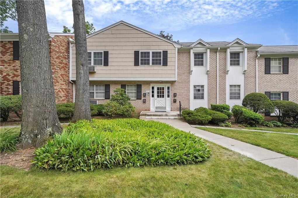 300 Parkside Dr Suffern, NY 10901