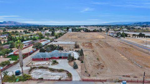E Middle Ave, San Martin, CA 95046
