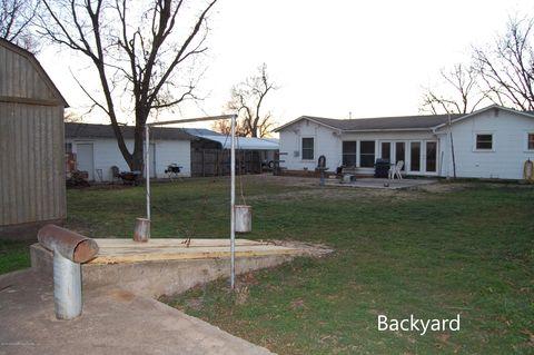 Photo of 408 Wall St S, Shamrock, TX 79079