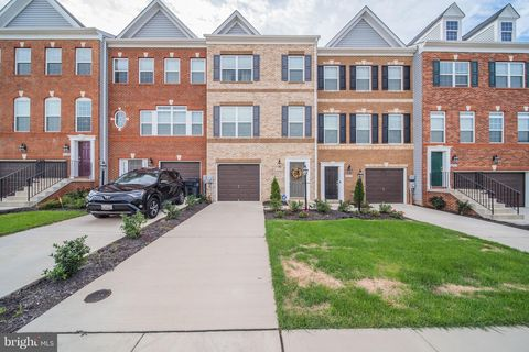 Photo of 11175 Southport Pl, White Plains, MD 20695