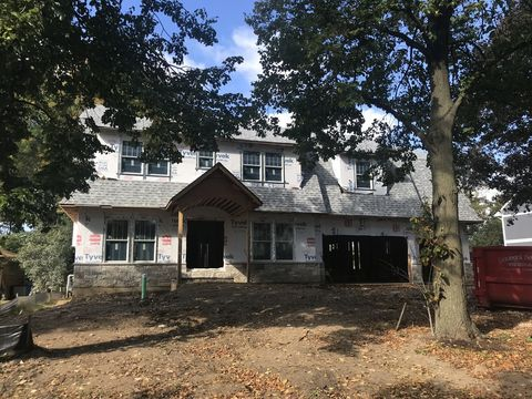 Photo of 610 Country Club Ln, Itasca, IL 60143
