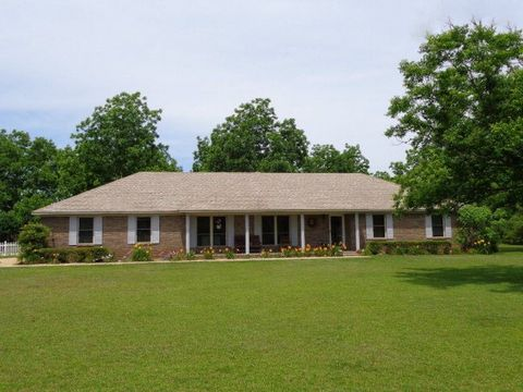 600 Clearview Rd, Flomaton, AL 36441