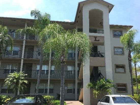 550 Sw 137th Ave Apt 312, Pembroke Pines, FL 33027
