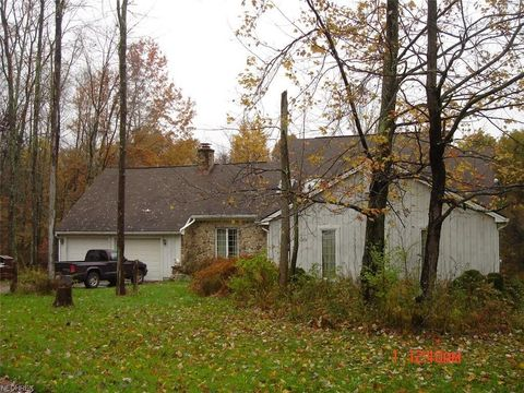 Photo of 4611 Unity Line Rd, New Waterford, OH 44445