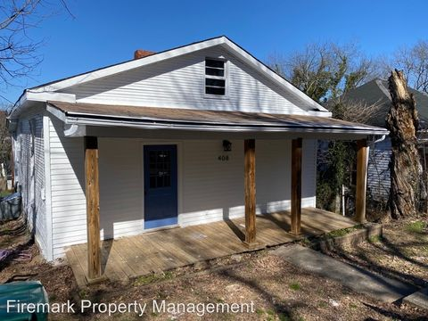 Photo of 408 Maple St, Lewisburg, TN 37091