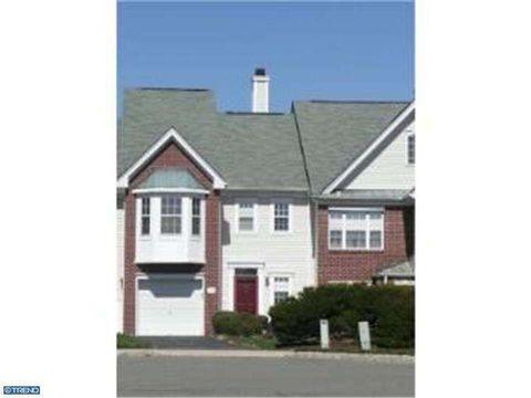 1006 Pebble Creek Ct, Hopewell, NJ 08534