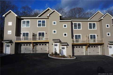 Photo of 64 Scotch Cap Rd Unit 158, Waterford, CT 06375