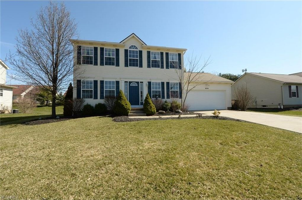 609 Ericsson Dr, Canal Fulton, OH 44614