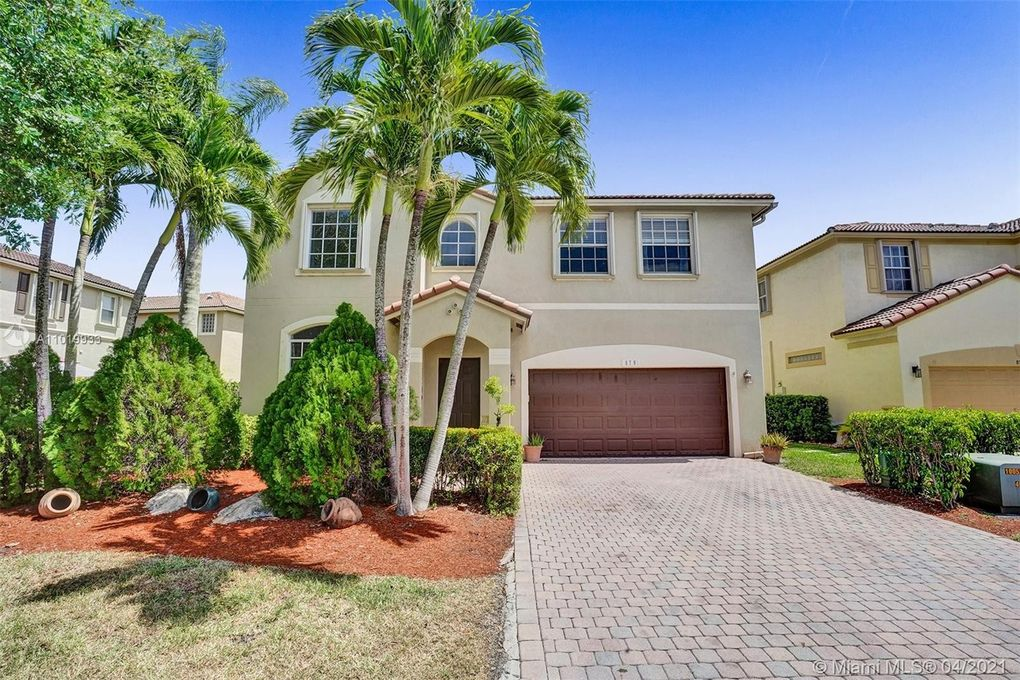879 NW 126th Dr Coral Springs, FL 33071