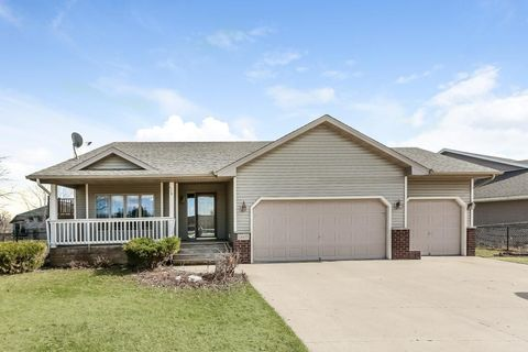 Photo of 11035 278th St, Chisago City, MN 55013