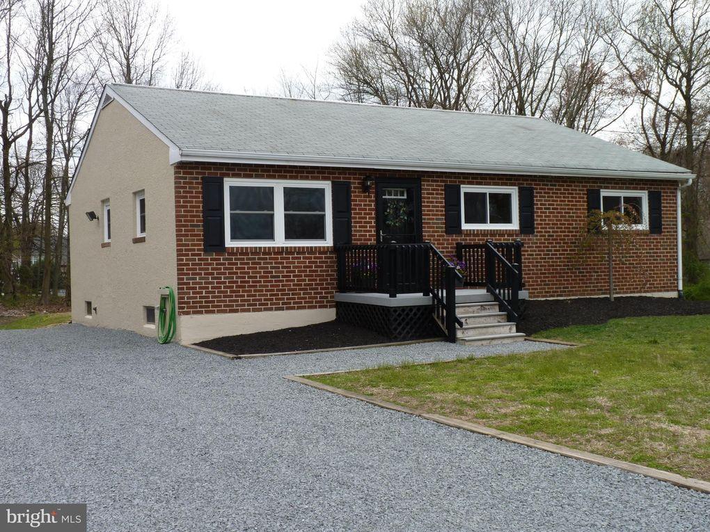 54 Cape May Ave, West Deptford, NJ 08096