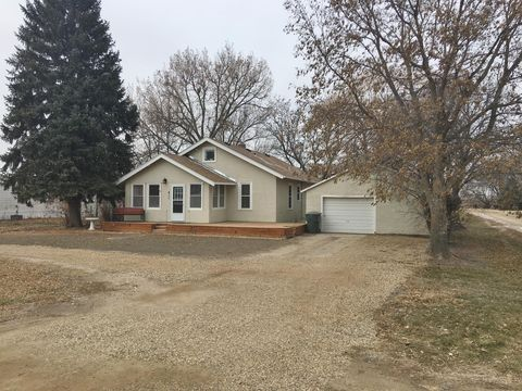Photo of 411 N Commercial Ave, Blunt, SD 57522
