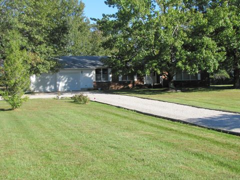 Photo of 1314 Old Bell Rd, Iuka, IL 62849