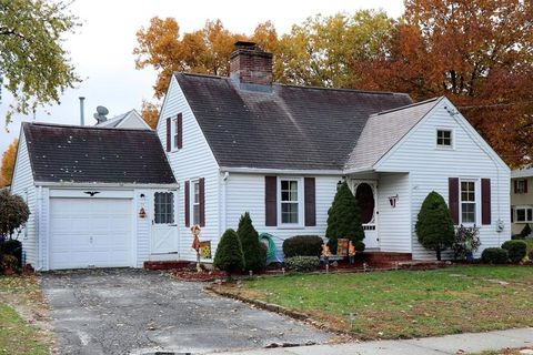 Photo of 19 Ford St, Springfield, MA 01118