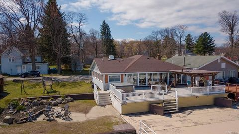 Photo of 8 Front St, Silver Creek, NY 14136