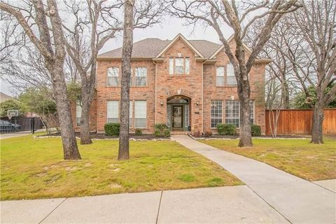 Photo of 833 Clearwater Ln, Keller, TX 76248