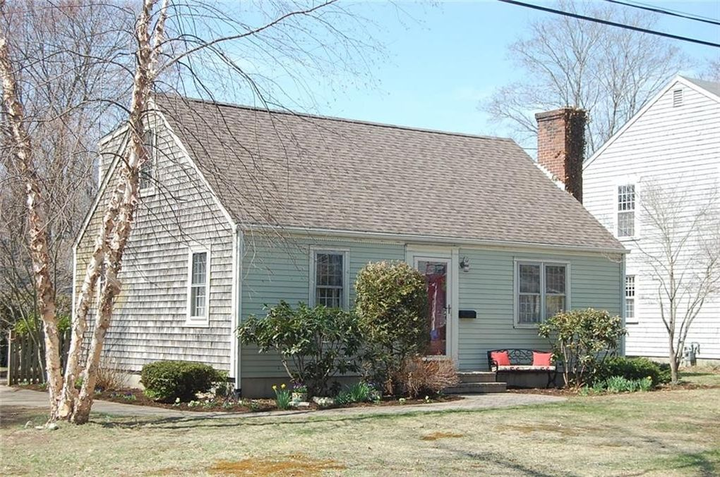 103 Walnut Rd, Barrington, RI 02806