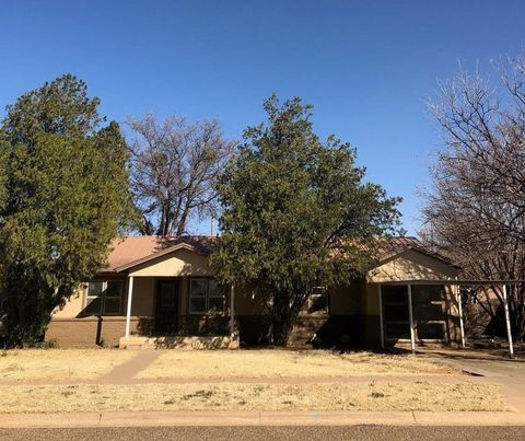 Photo of 2016 N 5th St, Tahoka, TX 79373