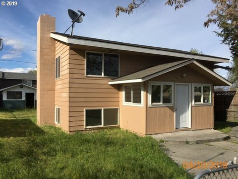 Photo of 335 E Beech Ave, Hermiston, OR 97838