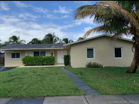 Photo of 9821 Sw 195th St, Cutler Bay, FL 33157