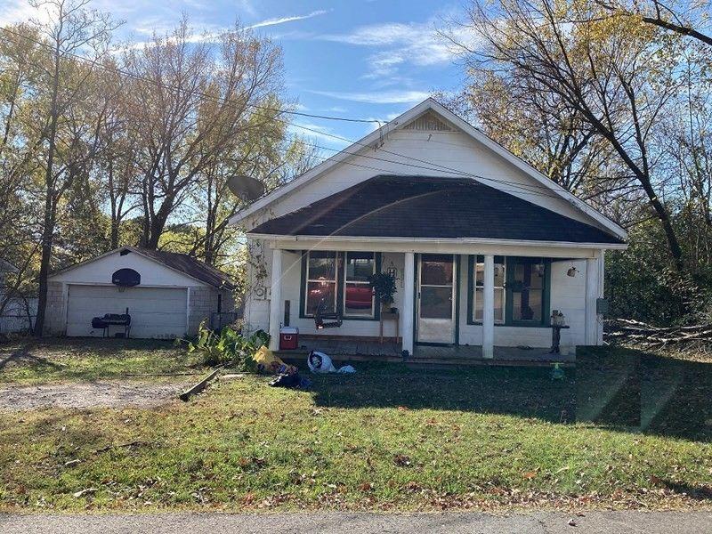 1317 Reynolds St Clarksville, AR 72830