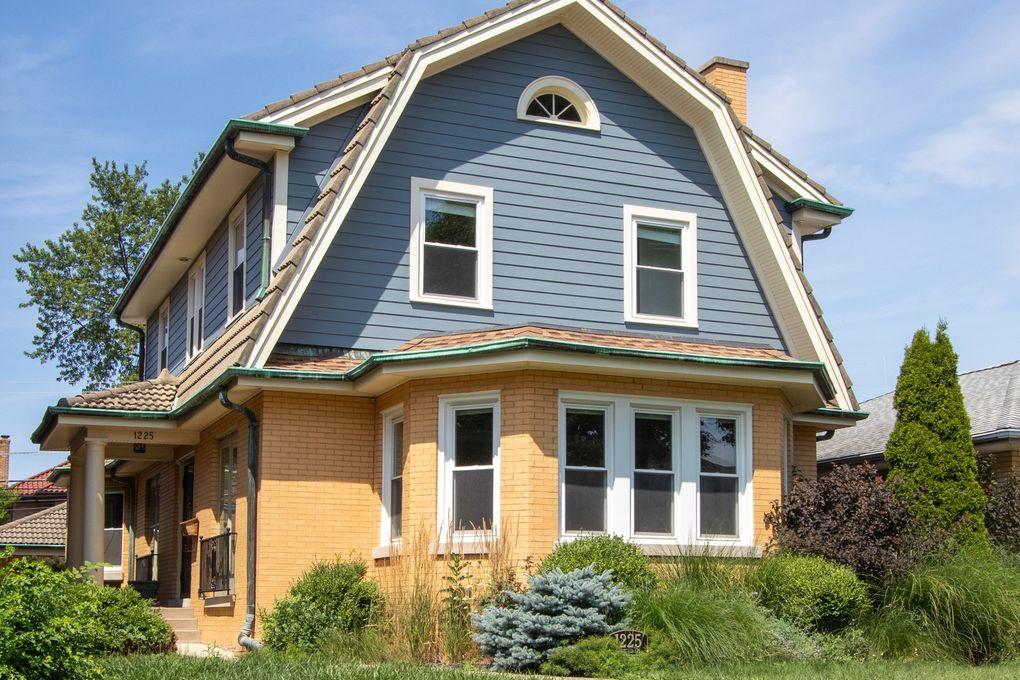 1225 N Euclid Ave Oak Park, IL 60302
