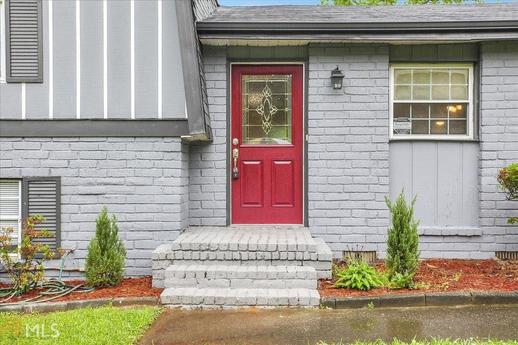 2334 Regal Ct, Lawrenceville, GA 30044