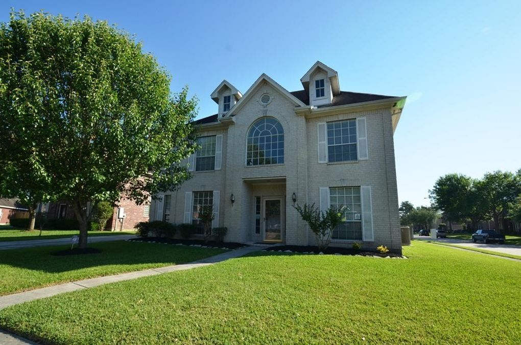 1501 Silver Maple Ln, Pearland, TX 77581