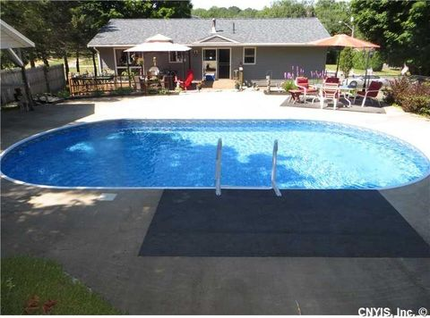 2476 State Route 48, Minetto, NY 13069