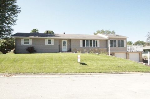 Photo of 1000 N Short Ave, Dodgeville, WI 53533
