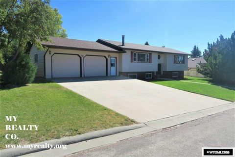 Photo of 801 Park, Lusk, WY 82225