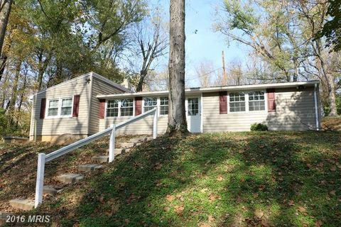 10768 Dam Number 5 Rd, Clear Spring, MD 21722