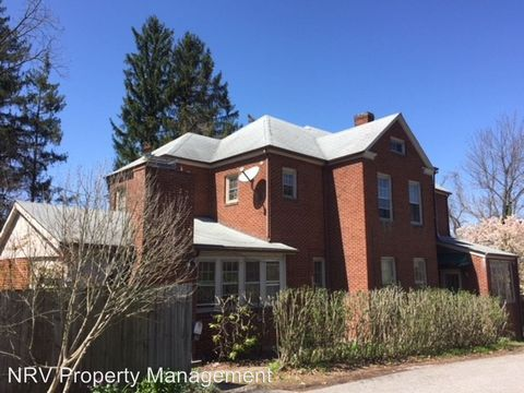 Photo of 801 Oak Ln, Radford, VA 24141