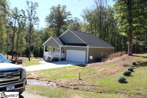 10 Wildberry Way, Travelers Rest, SC 29690