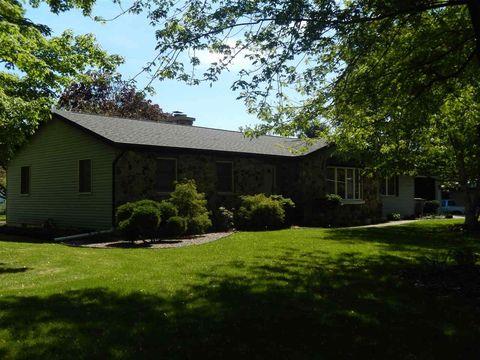 232 W Lincoln St, Millersburg, IN 46543
